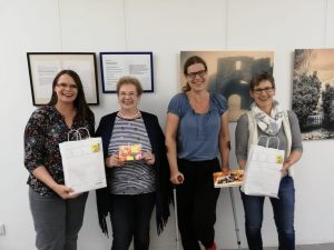 li n re: Anne Marie Enengel, Gabi Cupa, Dani Schultz, Christa Fallmann